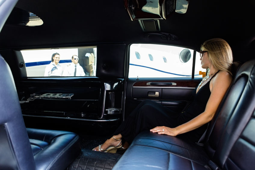 Reasons To Use An Airport Limousine Service for Airport Transportation